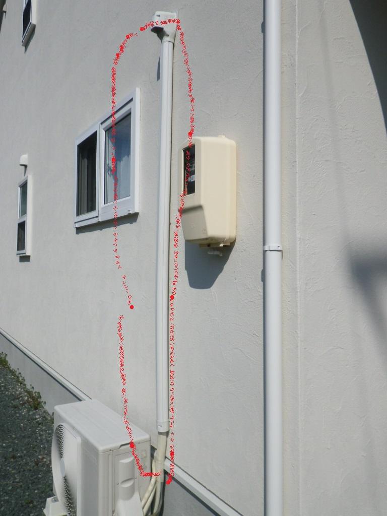エアコンの配管カバー不具合