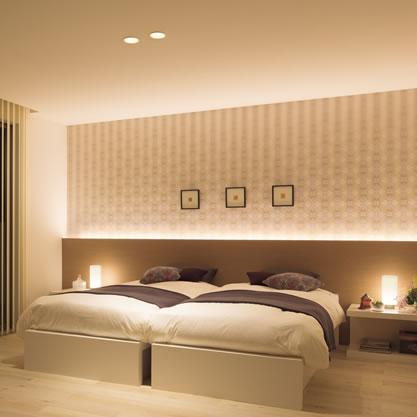 間接照明のある寝室